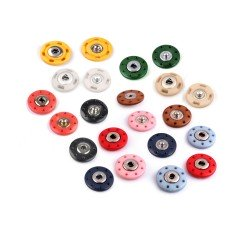 5 boutons pressions...