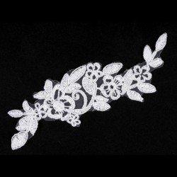 Application fleurs dentelle blanche 5,5 x 16 cm