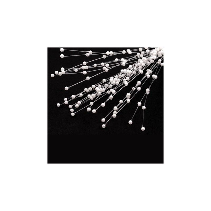 Bouquet de tiges de perles sur nylon blanc