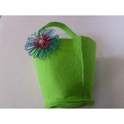 Appareil pour fleurs en laine