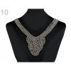 Application encolure arrondie perles