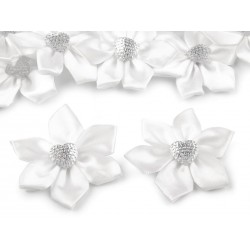5 petites fleurs satin 55 mm coeur strass
